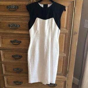 CH by Carolina Herrera dress. Gorgeous linen dress